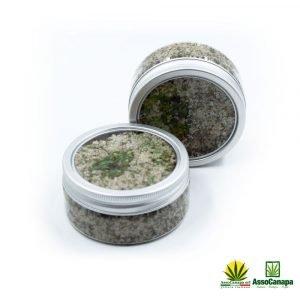 Sale aromatizzato con erba di canapa